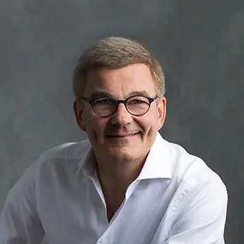 Pieter de Vries author img